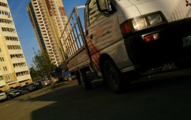 Небольшой грузовичок
