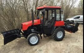 Уборка снега трактором МТЗ-320 (щетка и отвал)