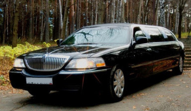 Лимузин Lincoln town car black