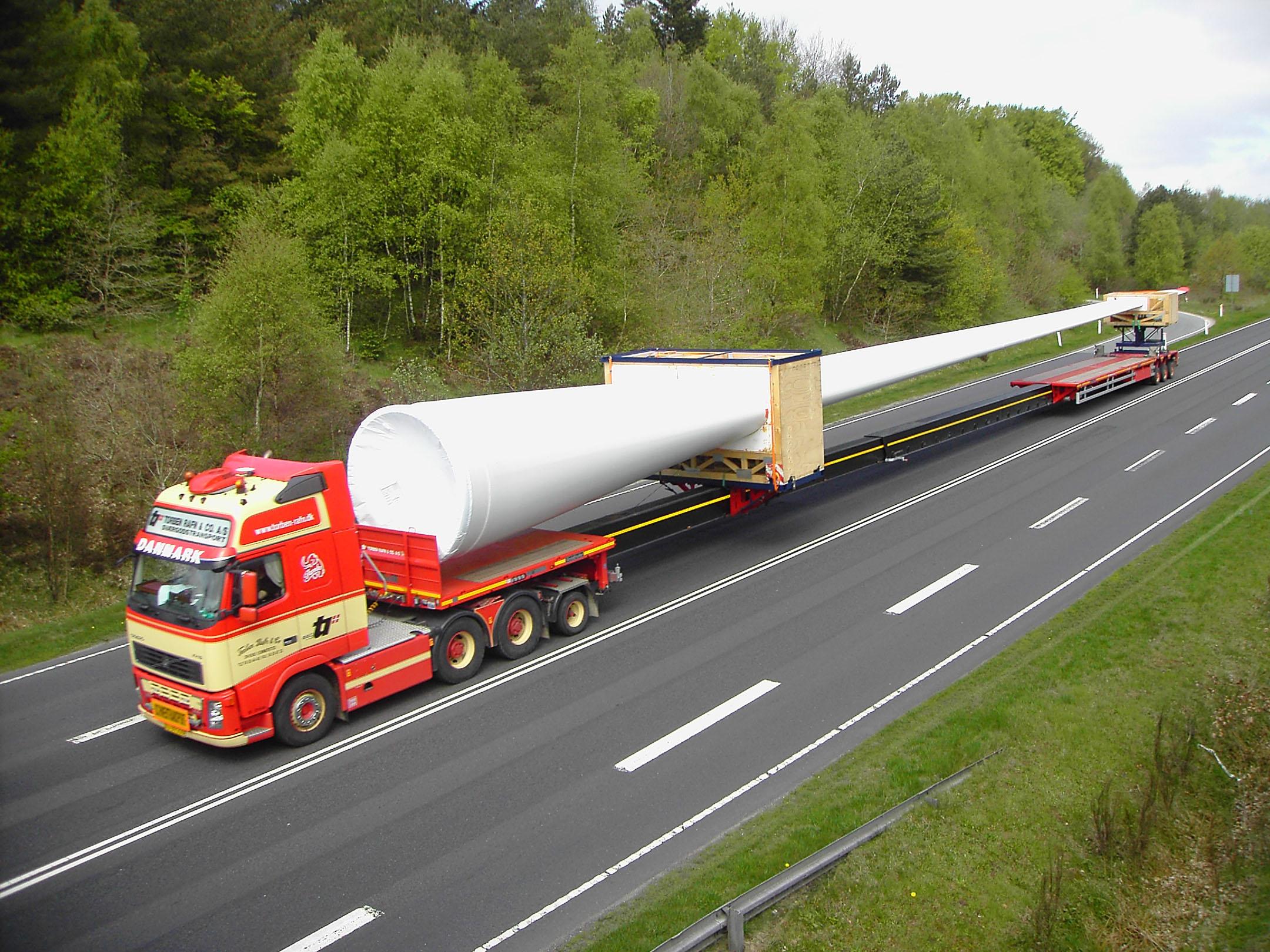 Перевозка негабаритных грузов компанией