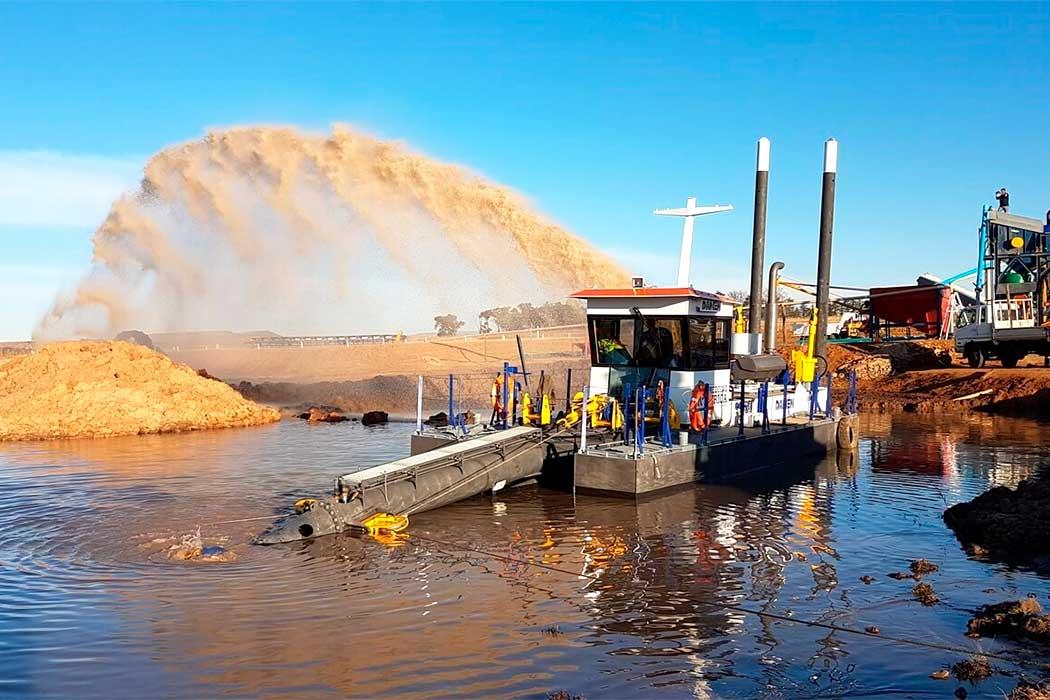 Земснаряд для добычи песка